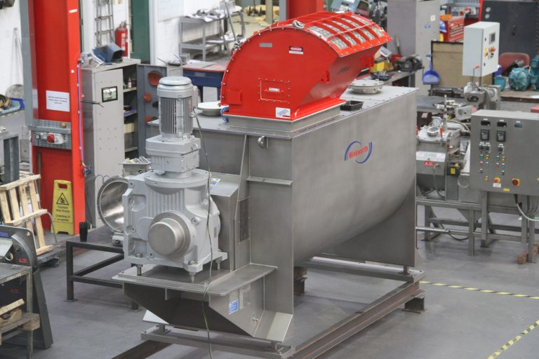 Ribbon blender mixer 3000 litre. Fixed lid. Flame arrestor. Powder mixer blender.