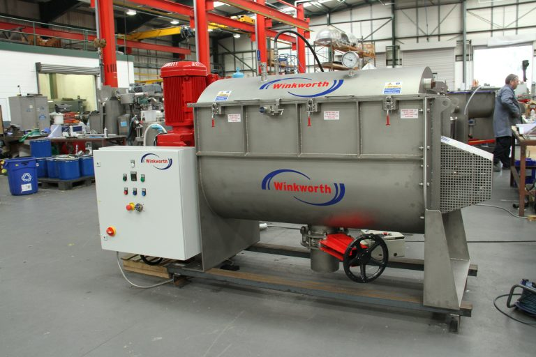 Ribbon blender U trough mixer 660 litre. Vacuum model. Powder mixer blender.
