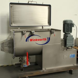 Powder mixer blender.