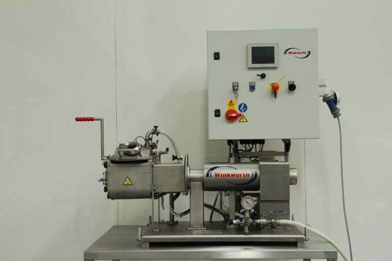 Kneader mixer laboratory scale. Jacketed. Vacuum and heating/cooling options. Trolley mounted. Oil heater.